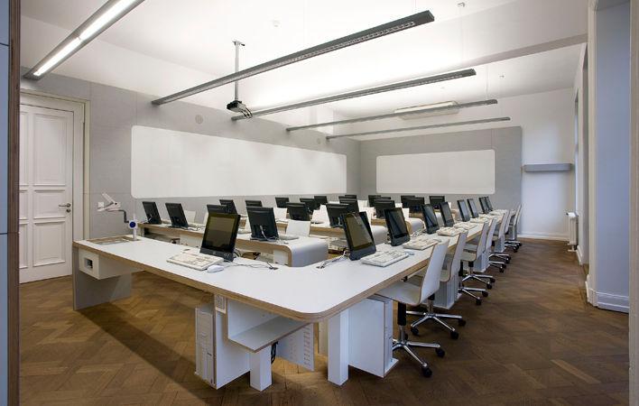 EDV Arbeitsraum im Akademiehaus der Dr. Buhmann Schule & Akademie in Hannover