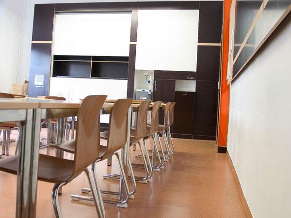 Blick in einen Klassenraum der Dr. Buhmann Schule & Akademie in Hannover