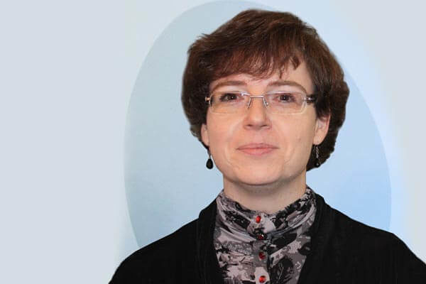 Porträtfoto von Christina Gallus, Leiterin der Dr. Buhmann Schule und Prokuristin