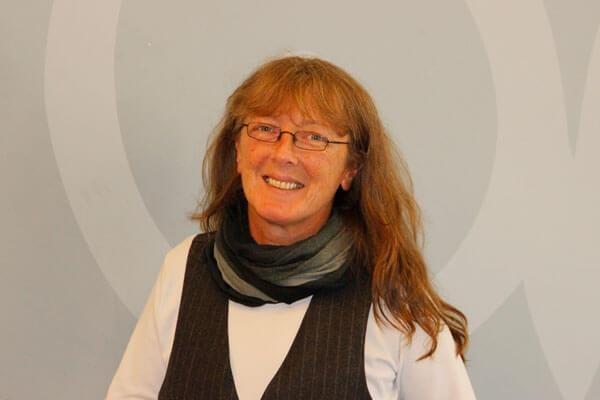 Porträtaufnahme von Silke Iden, Leiterin des Schulsekretariats