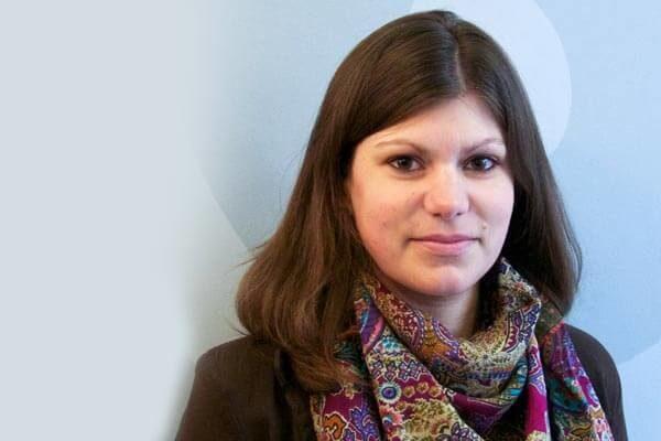 Porträtfoto von Lena Stülpe, Zuständig für PR und Marketing
