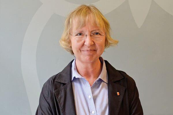 Porträtaufnahme von Dr. Marianne Wurth Schulzweigkoordinatorin Fachoberschule Verwaltung und Rechtspflege