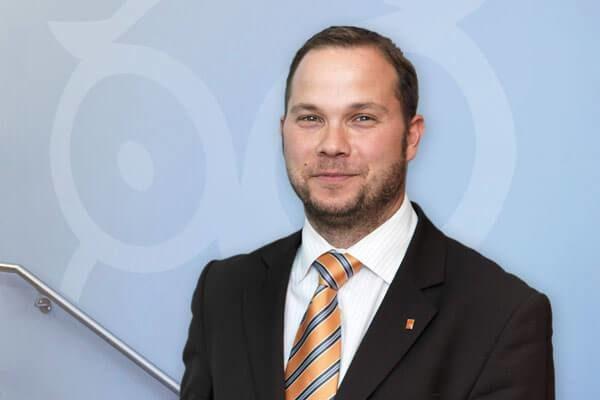 Porträtfoto von Matthias Limbach, Leiter der Dr. Buhmann Akademie und Geschäftsführer