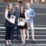 Feierliche Absolventenverabschiedung von Absolventen der Fachoberschule