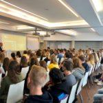 Neues Semester, neue Gesichter: Auch in diesem Jahr wurden wieder etwa 130 neue Studierende an der Dr. Buhmann Akademie begrüßt.