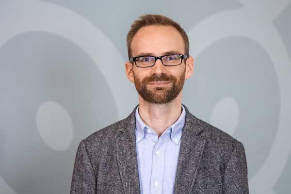 Porträtaufnahme von Mark Zdarsky, Schulzweigkoordinator Informatik