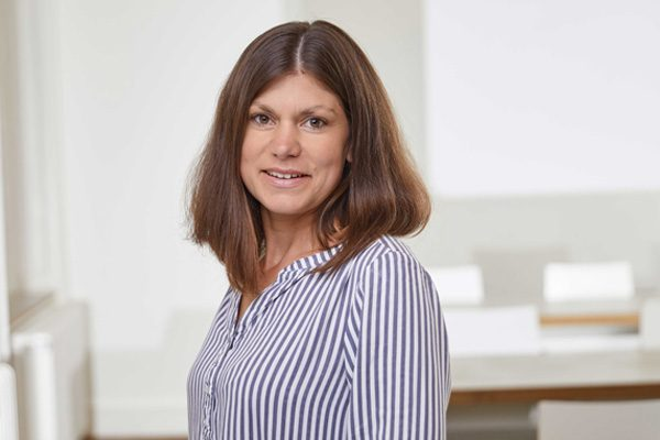 Porträtaufnahme von Lena Stülpe, PR & Marketing