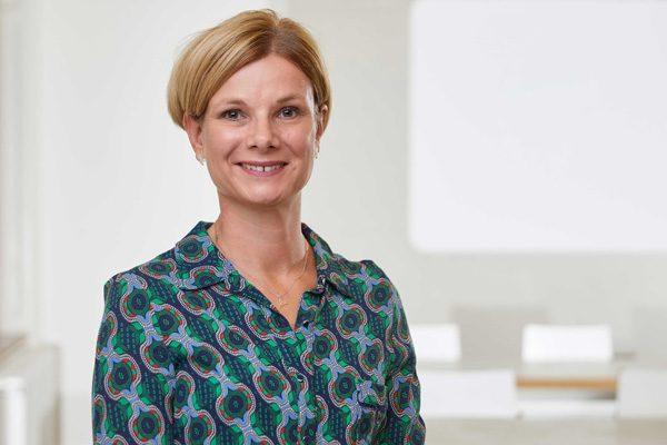 Portraitfoto von Dr. Stefanie Nitz